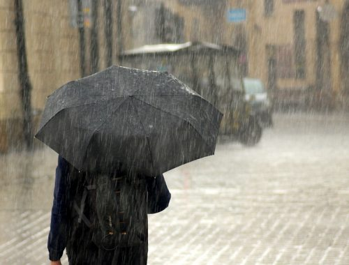 moving in monsoon, monsoon moving tips
